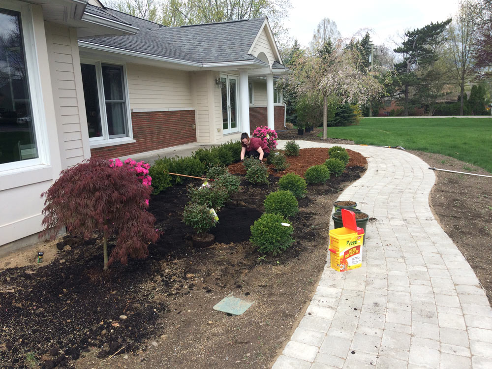 landscaping in Bloomfield Hills